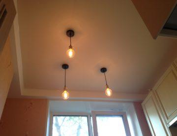 Натяжные потолки: как выбрать освещение?