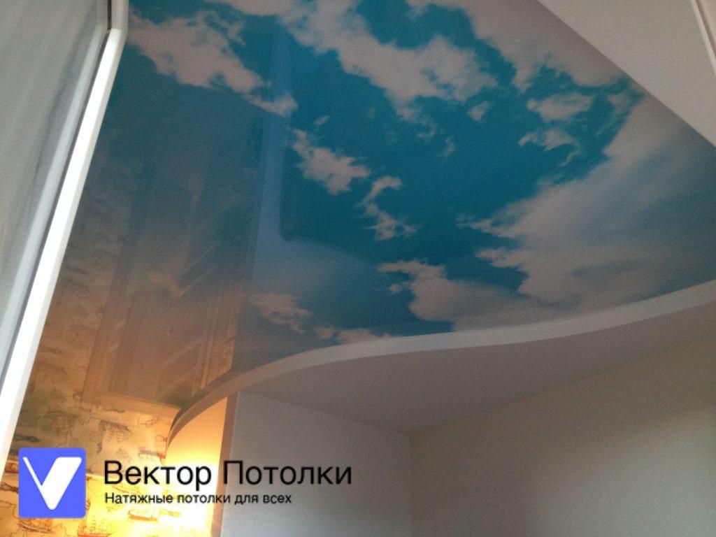 фотопечать небо на натяжном потолке сложной формы