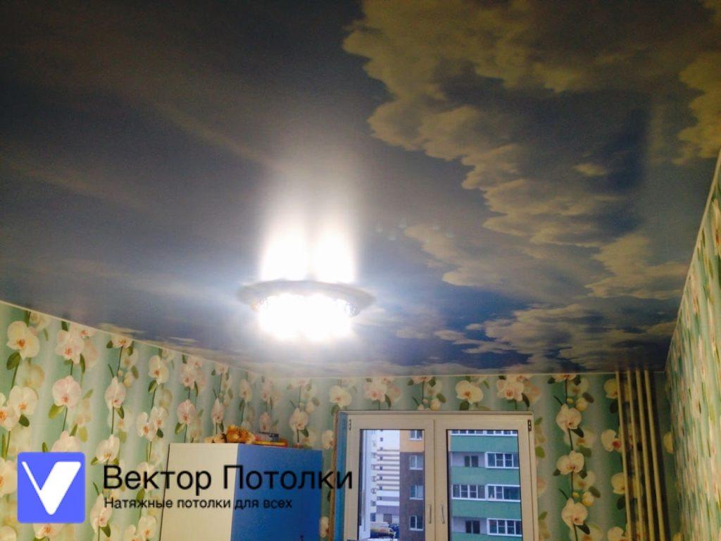 сатиновый натяжной потолок с фотопечатью небо
