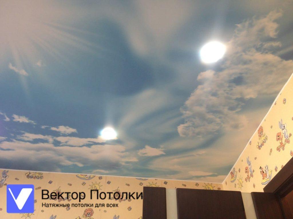 натяжной потолок с фотопечатью небо в детской